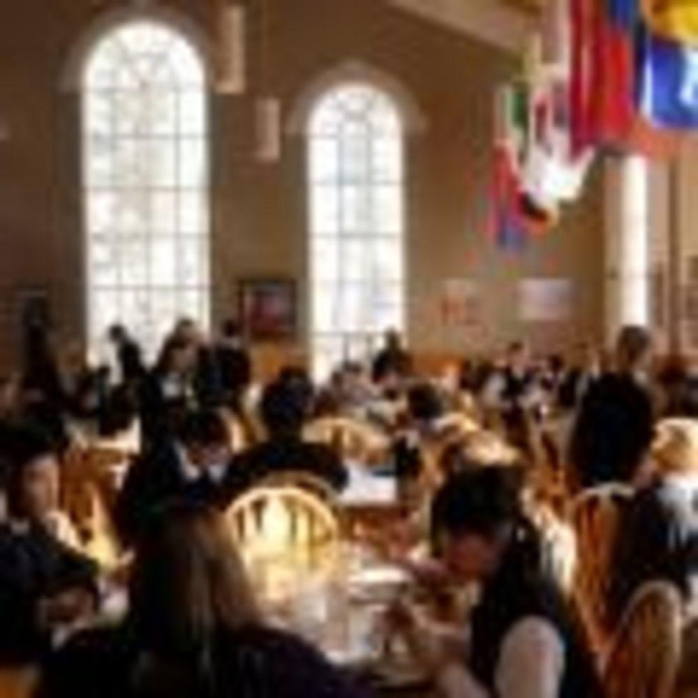 столовая Pickering College