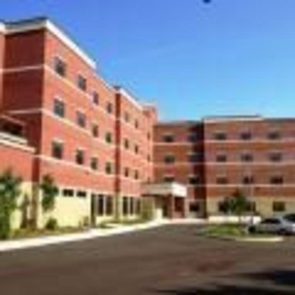 здание резиденции для девочек Columbia International College