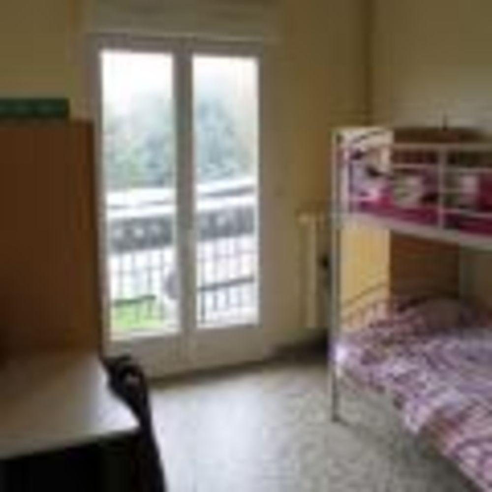 Saint-Denis International School комната в резиденции для девочек