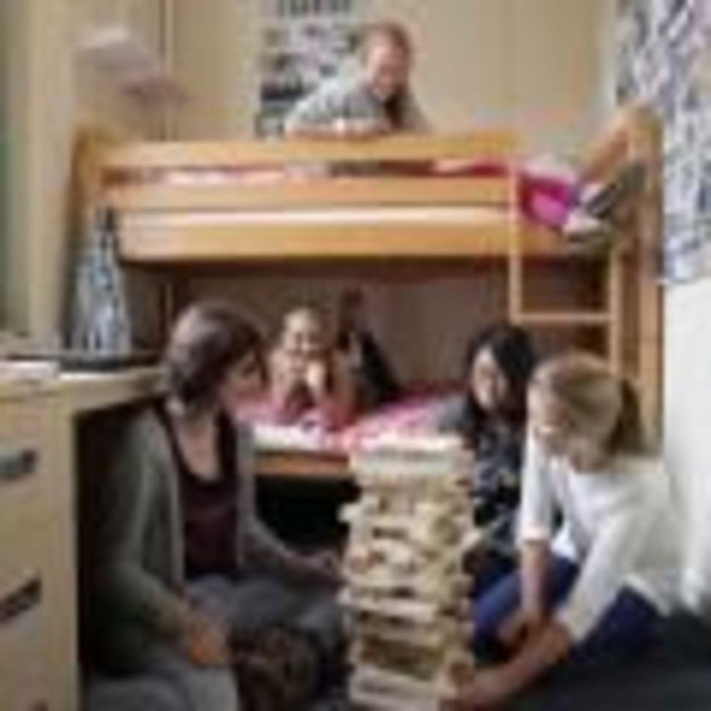 Saint Felix School девочки в комнате