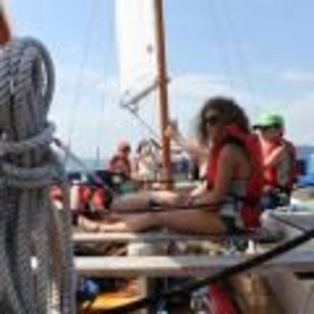 Schule Schloss Salem Summer School дети на прогулке на яхте