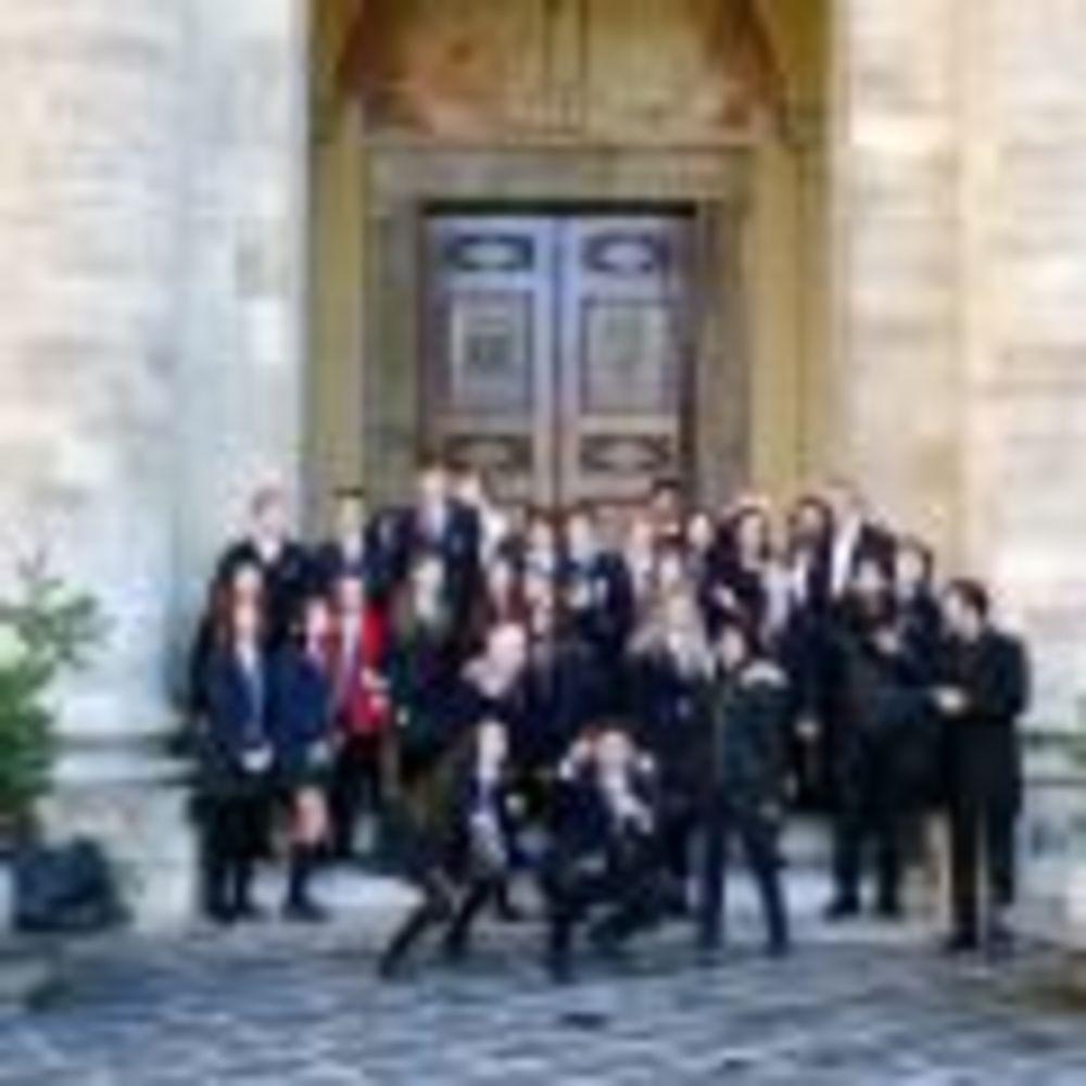 Школа 2 Canadian College Italy