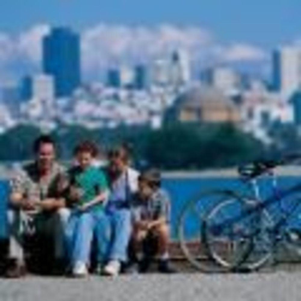 участники семейной программы St Giles на экскурсии в Сан-Франциско