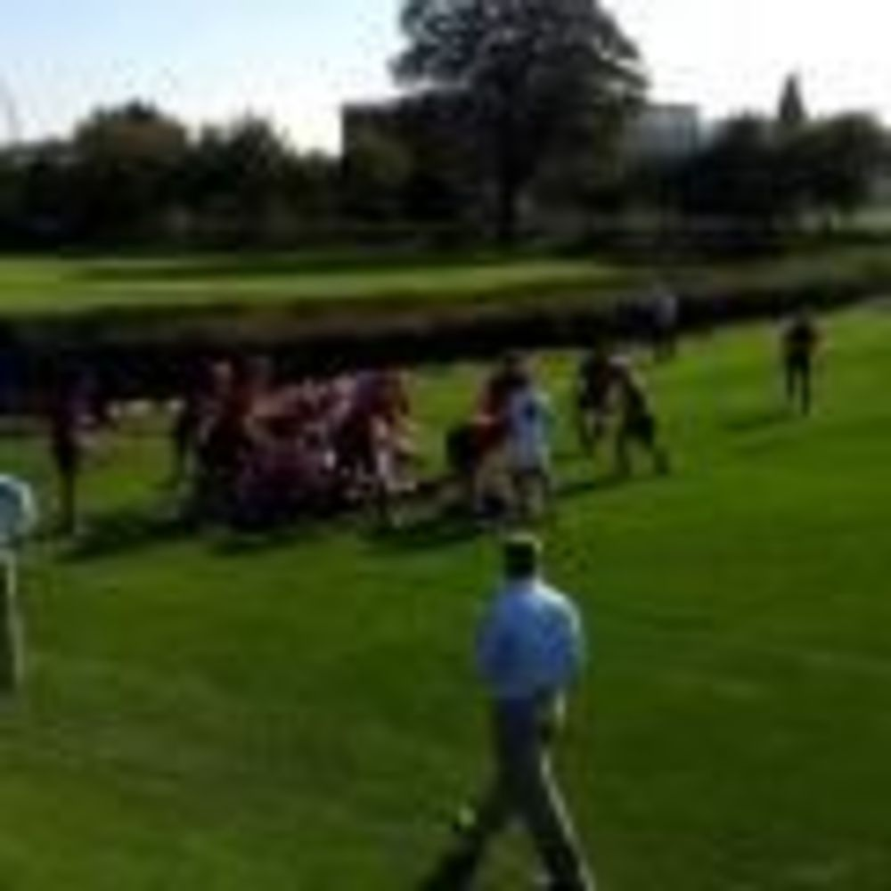 спортивная площадка в школе St. Peter's School