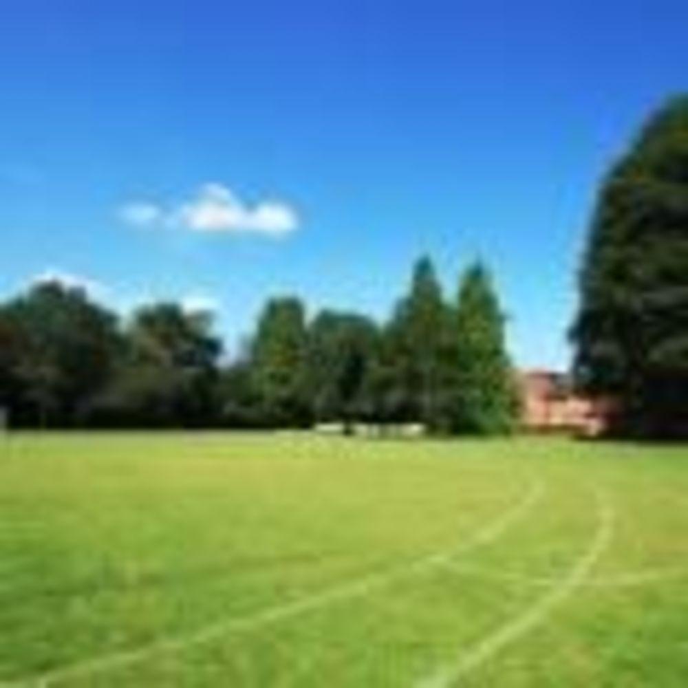 St. Clare's, Oxford Summer футбольная площадка