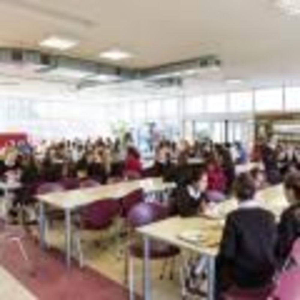 Столовая Alexandra College