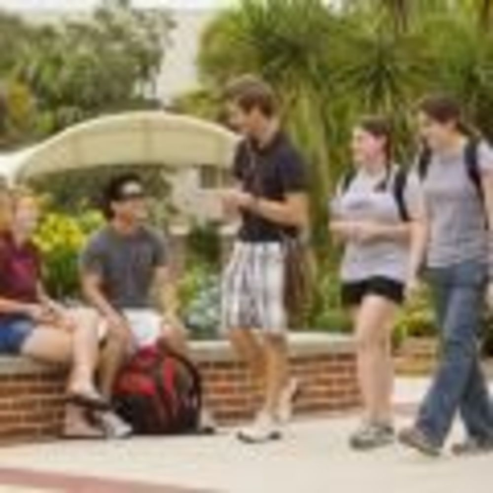 студенты Florida Institute of Technology St Giles Summer