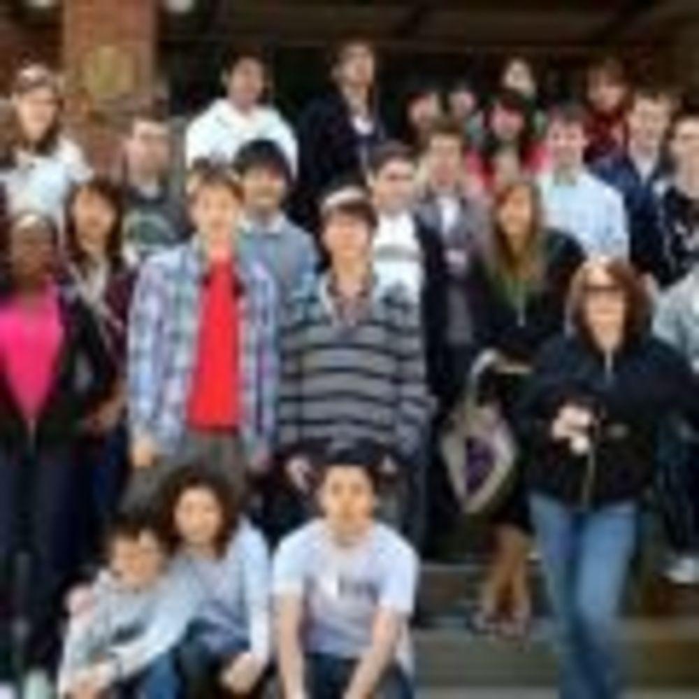 студенты школы Ashbury College