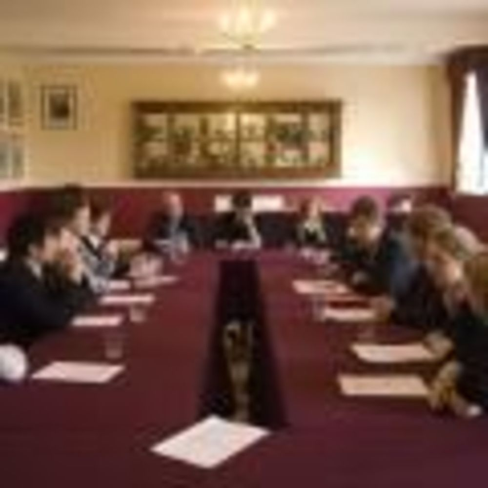студенты школы Kent College Canterbury