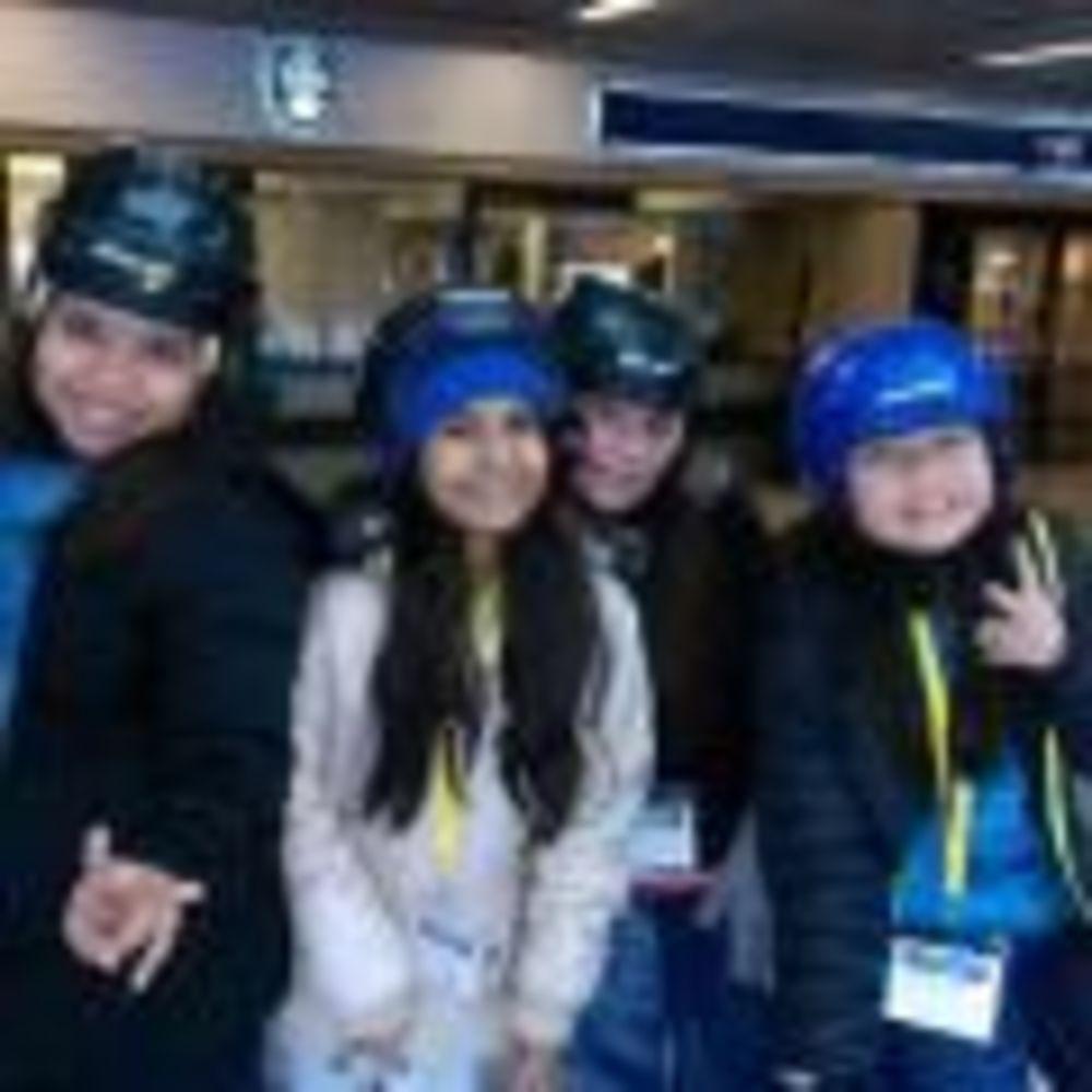 Tamwood Vancouver Winter Camp девочки на катке