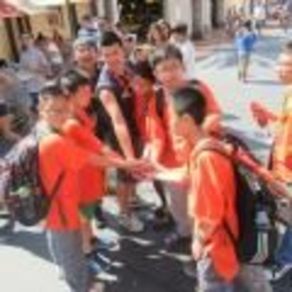 участники лагеря Tamwood в Лос-Анджелесе