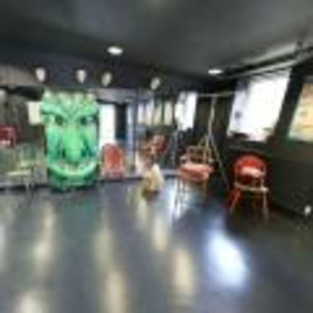 Танцевальная студия Claremont School