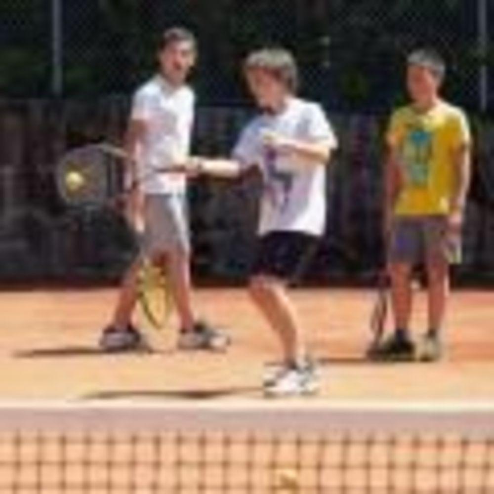 Теннис Brilliantmont Summer Camp