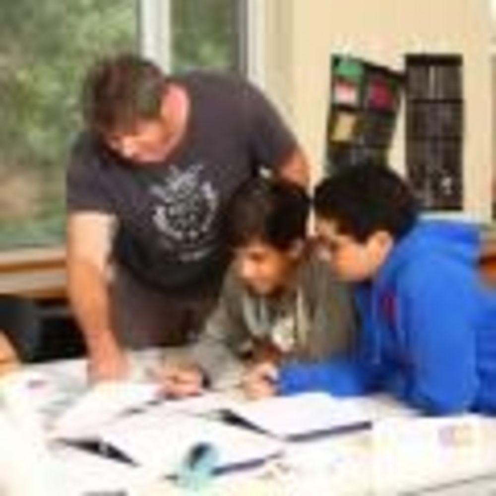 заняття в таборі St Giles Toronto на кампусі St Andrew's College