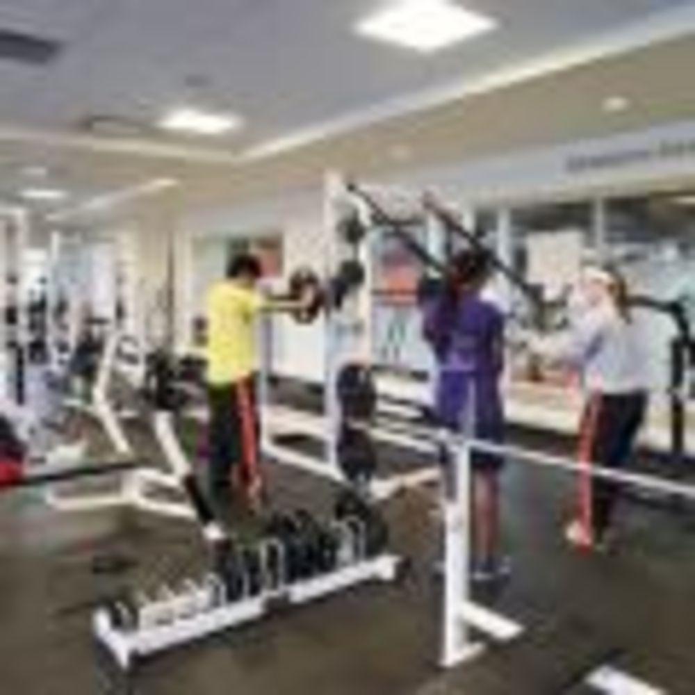 тренажерный зал в школе Lake Forest Academy