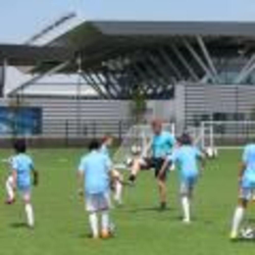 Тренировка City Football Schools.  Аспект - Обучение за рубежом.