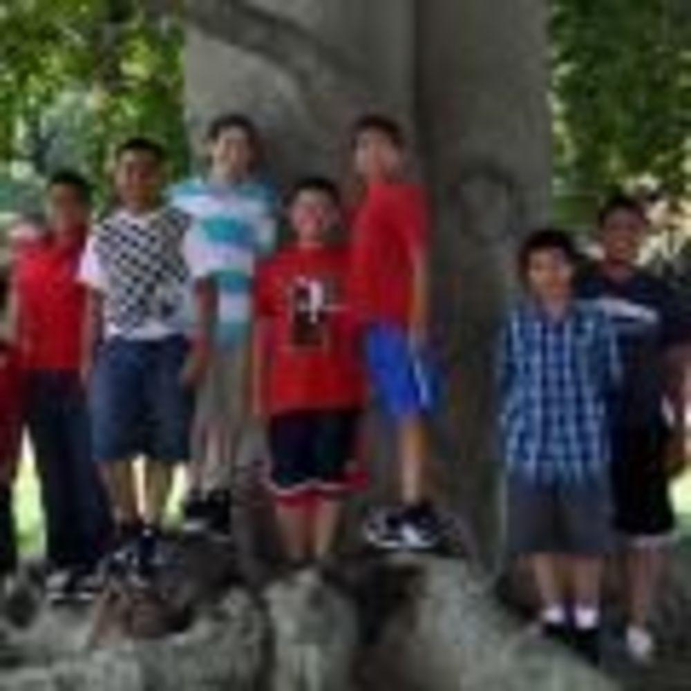 участники лагеря St John's International School Summer Camp