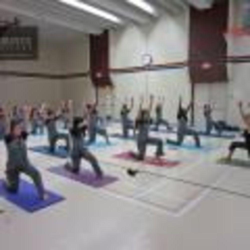 занятия по йоге Bronte College