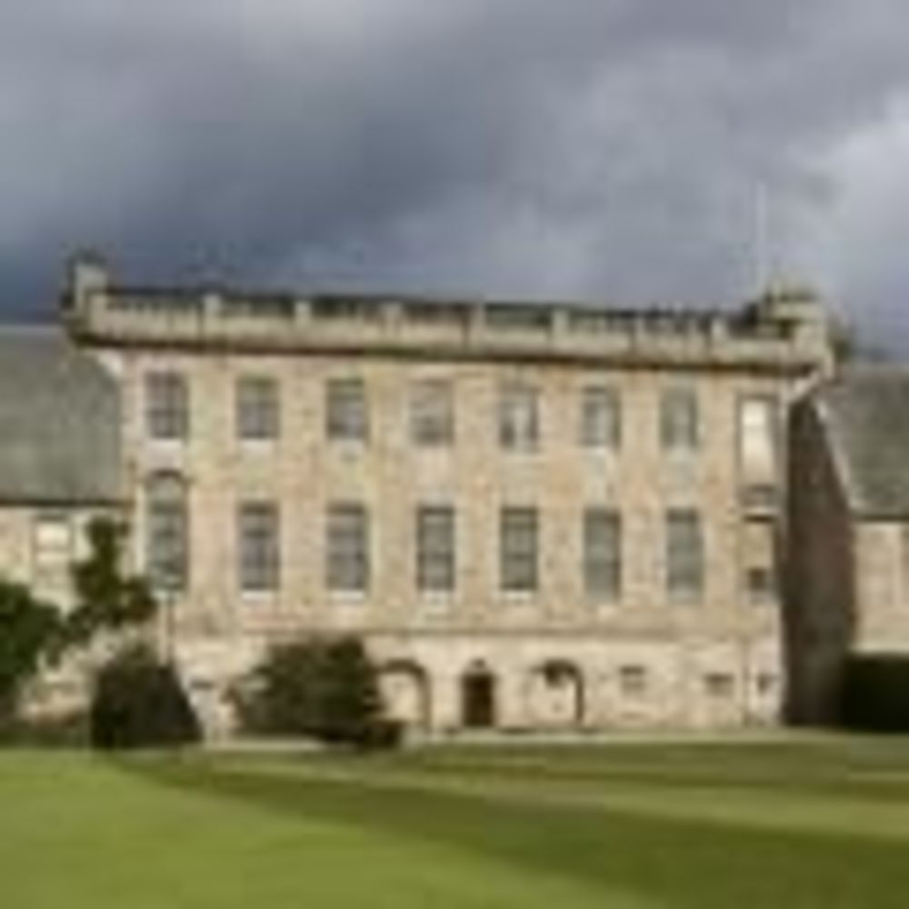Здание Gordonstoun School